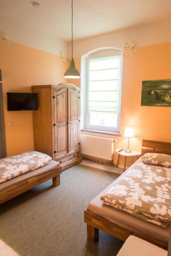 Zweibettzimmer (OG) mit TV